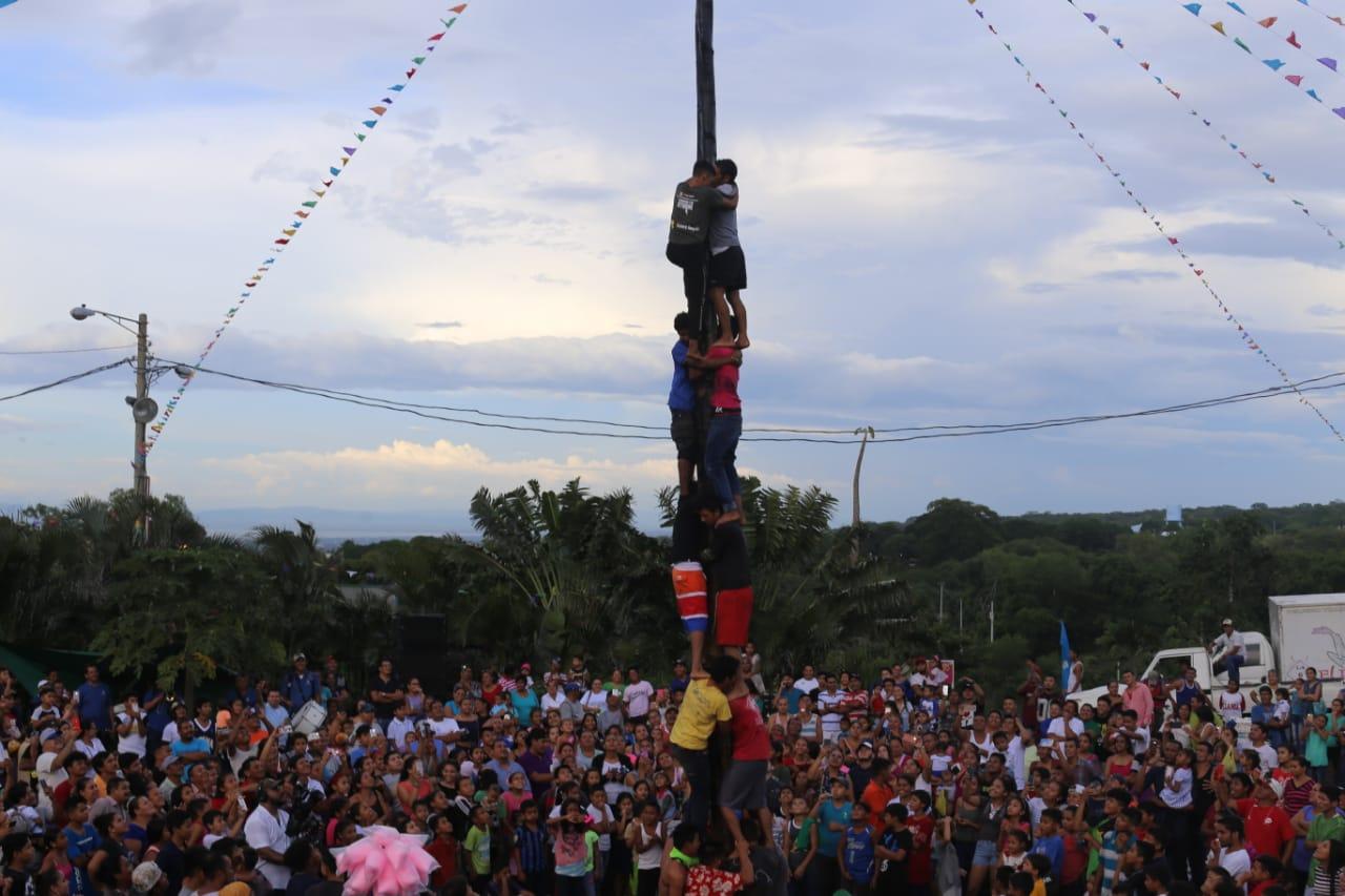Exitosa Feria de la Economía Familiar en honor a Santo Domingo