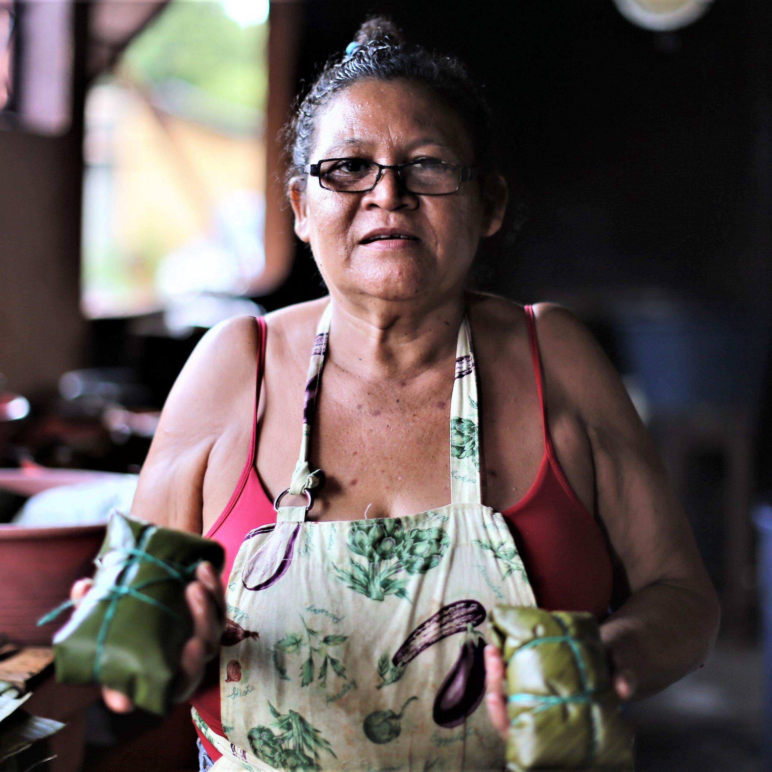 La Mejor Opción para la gorra Mariana es: Nacatamales Bendición de Dios
